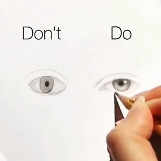 Follow us @dailyart @dailyart !!  ♥How to do and don't do a realistic eye! Remember to Follow us @dailyart for more! Great art video by @silviemahdal_art Tag your friends below!#Dailyart ⚠No ©Copyright Infringement Intended❌Email (contact) us to fix/removal