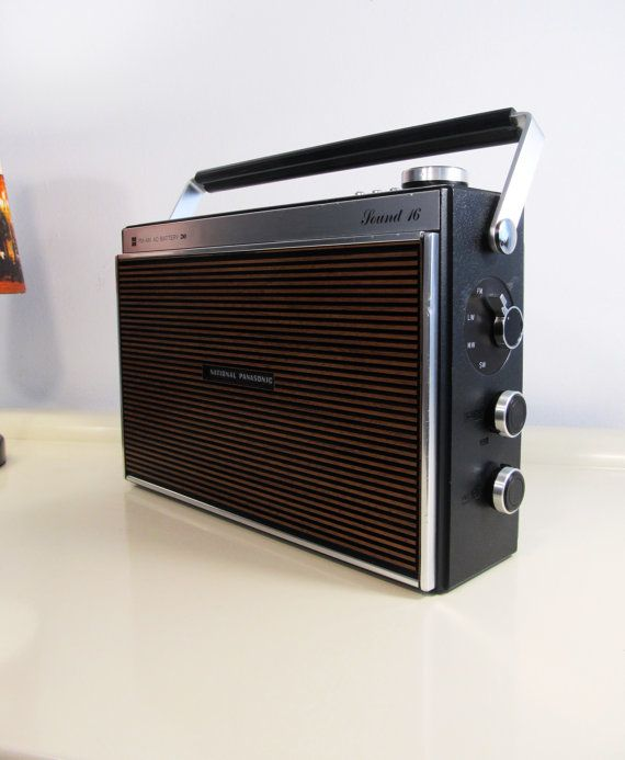 Vintage Radio, Portable Radio, Retro, Transistor Radio, National Panasonic, Sound 16, AM-FM, Brown color, Made in Japan, 1973, Retro Decor