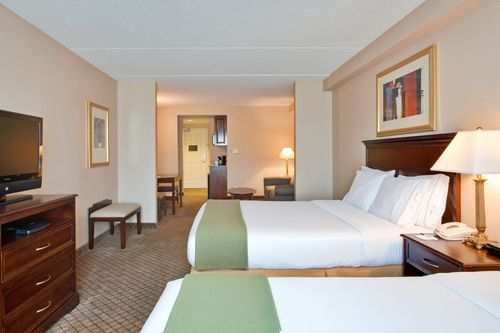 Holiday Inn Express & Suites Huntsville - Queen Bed Guest Room