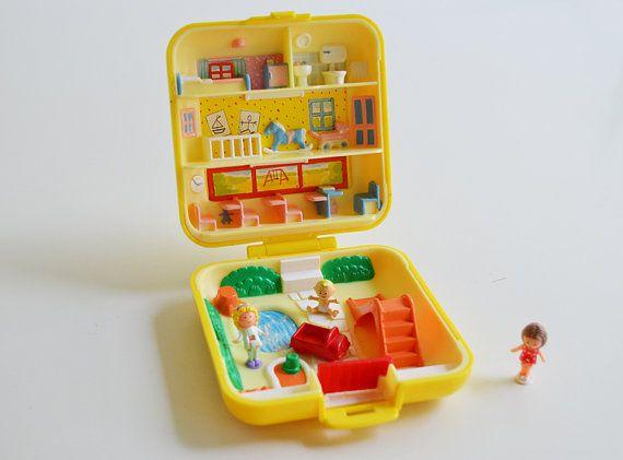 Vintage Polly Pocket 1989 / Polly Pocket yellow / School Theme Still got this!