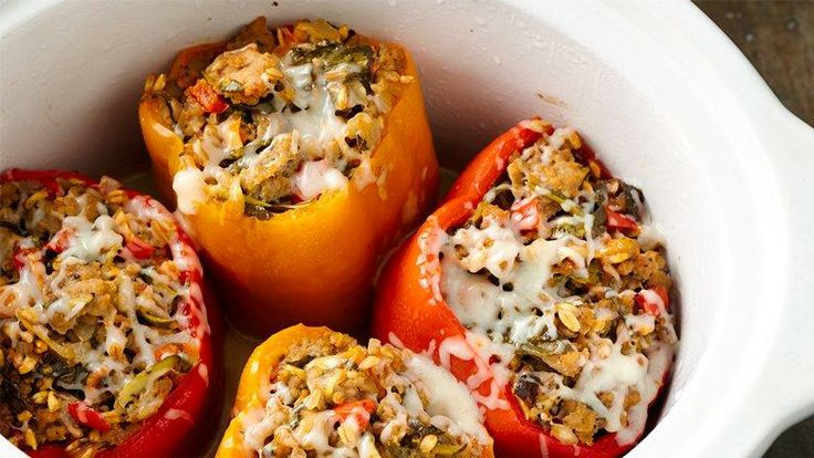 Slow-Cooker Italian Sausage and Farro Stuffed Peppers# slow cooker healthy recipes