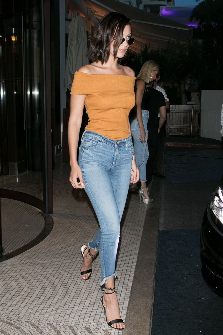 Bella Hadid Style: 55 of her best outfits to copy right now | skinny high waisted jeans + an off the shoulder top