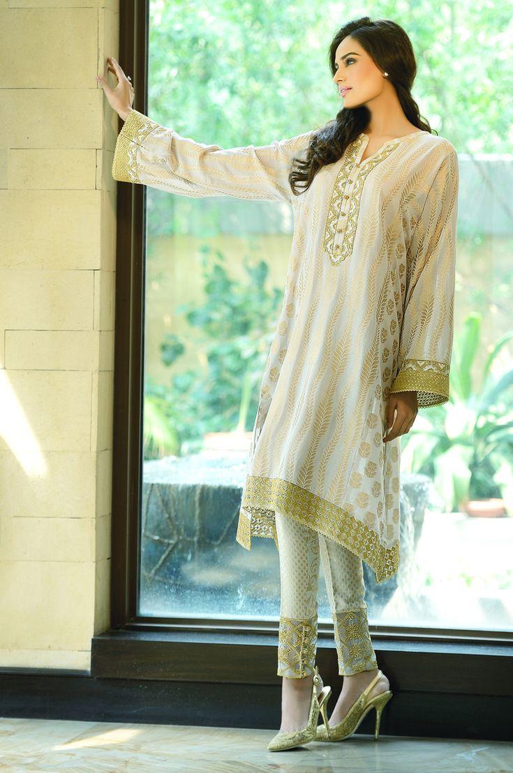 #FarazManan #Eid #Collection #Fashion #Pakistan #Kameez #Embellished #Jacquard #Cigarette #Pants