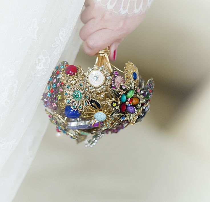 Brooch Bouquet by CuvinteAurite