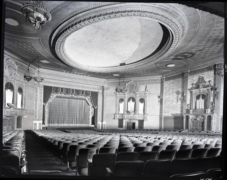 Jeffery Theater, Chicago (1952 E. 71st St.)