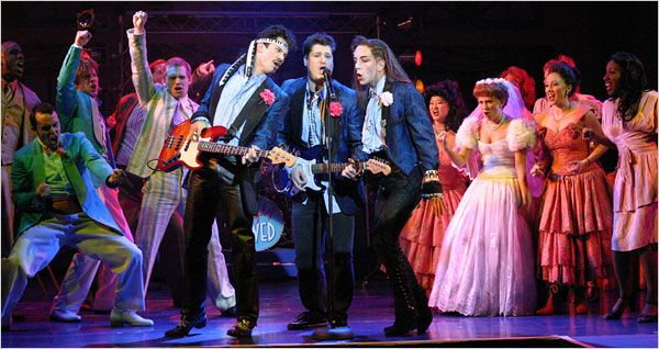 Wedding Singer Offers Musical Fluff With An 80s Vibe