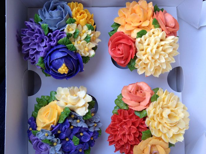 From Arty Cakes in the UK. Inspiring me to do some baking!