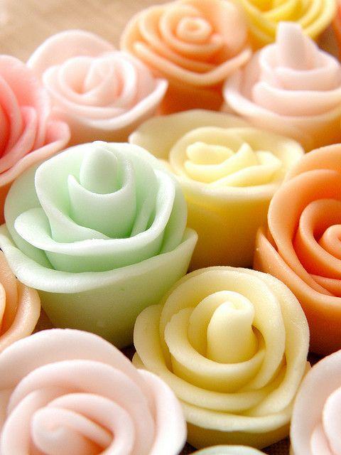 pretty pastel fondant flowers.