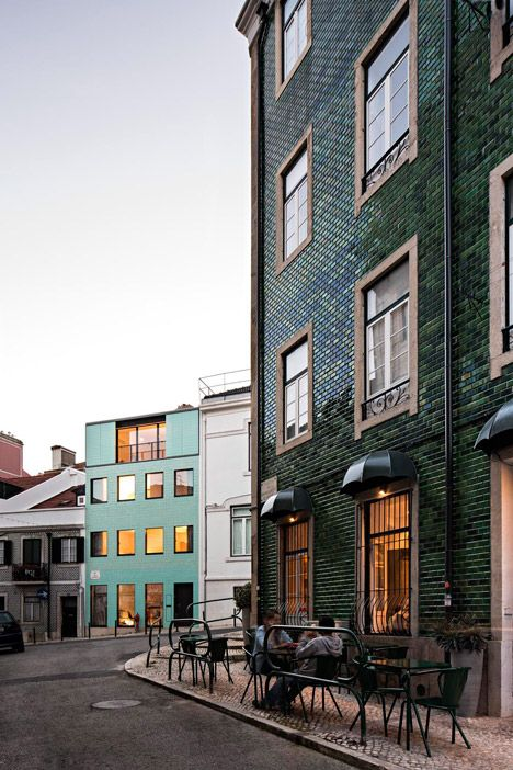 Casa No Príncipe Real by Camarim Architect