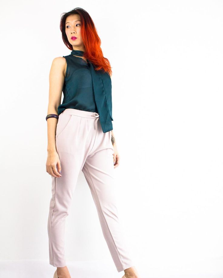 Ready to power up your work day?  Team up #peepboutique's Sofia Satin Top  in Emerald Green with Erica Tapered Joggers in Ash Pink to #OwnTheBoardroom! #peepb  Shop workwear online>> www.peepb.com See try & buy offline>> #PeepInAtria F29 1st Floor Atria Shopping Gallery . . . #shoppingroll #ootd #outfit #looks #lookbook #fashion #style #workwear #igmy #igmalaysia #onlineshopmalaysia #malaysiaonlineshop #ootdmalaysia