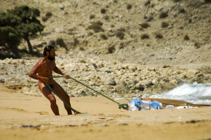 Naked in Gavdos island, Crete | Free camping, friendly relationships…