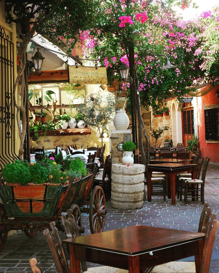 #crete #greece #chania ~ the old #venetian #citycenter ~ #lovely #breathless ~ colorful alley in the old town