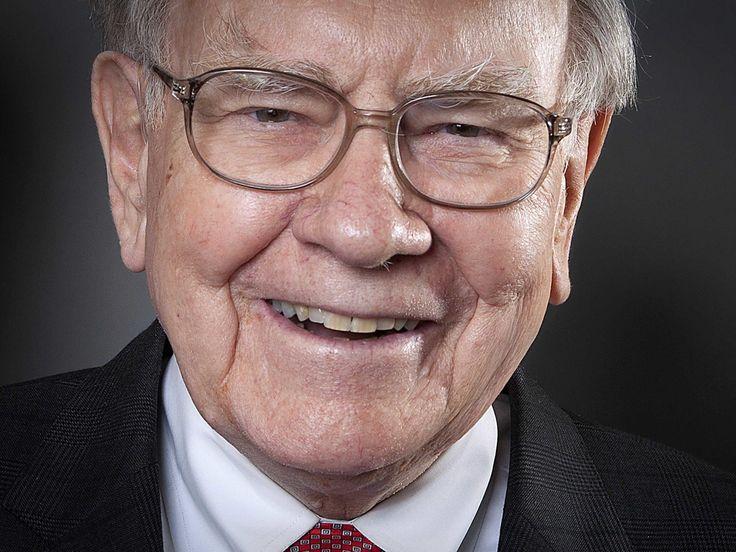 Warren Buffett deflects concerns about iPhone price, sales & AAPL share ownership #AppleNews #TechNews