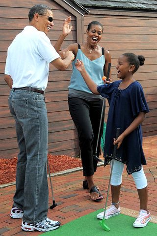 #44th #President Of The United States  #BarackObama & #FirstLady Of The United States  #MichelleObama #FirstDaughters Of The United States  Sasha #Obama