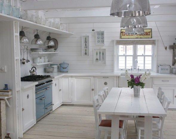 17 best ideas about white cottage kitchens on pinterest - Cocinas estilo shabby chic ...