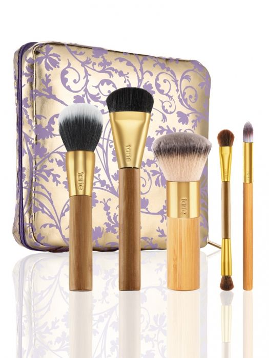 A limited-edition, full size brush set and whimsical travel case ideal for any jet-setting journey.  The limited-edition set features:• contourtionist™ bamboo cream blush & contour brush• the balancing act™ bamboo foundation brush • the buffer™ airbrush finish bamboo foundation brush• double-ended bamboo eyeshadow brush• undercover lover™ bamboo concealer brush• limited-edition collector's brush & makeup bag  *Please note, ...