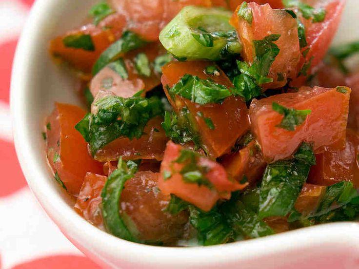 Chileläinen tomaattisalsa - Reseptit - Yhteishyvä