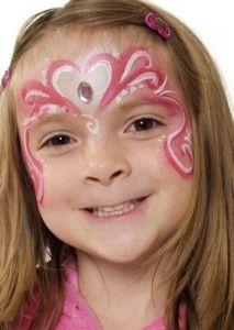 Maquillage rose et blanc pour enfant