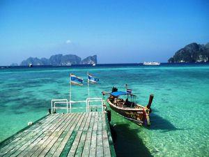 映画 「ザ・ビーチ」 の舞台にもなったタイの秘境「ピピ島」。タイのおすすめ観光名所