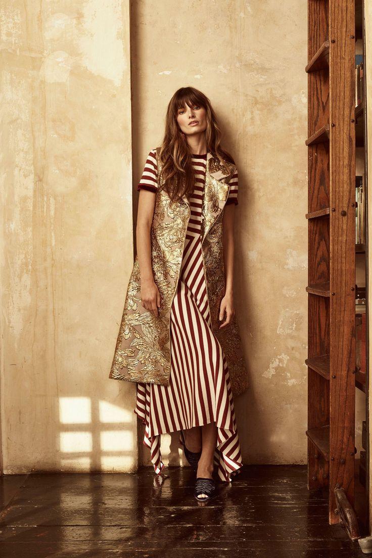 Johanna Ortiz Resort 2018 Collection Photos - Vogue