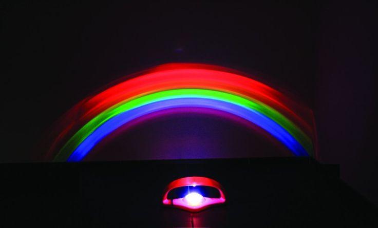Faites votre #fêtesdesLumières #maison #DIY  avec PROJECTEUR #ARCENCIEL - Il projette un arc en ciel sur le mur le plus proche! Permet d'animer un coin de mur en apportant des couleurs. La taille de l'arc en ciel projeté dépend de la proximité du projecteur par rapport au mur.
