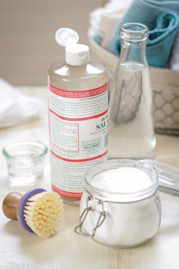 だから、自然素材で環境に優しく、きれいにお掃除できる方法を探してみました。家にあるものでできる、目からウロコのお掃除法、お教えします。