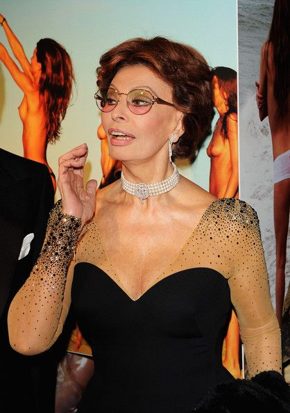 Actress Sophia Loren arrives at the 2010 Pirelli Calendar launch party at Old Billingsgate on November 19, 2009 in London, England.