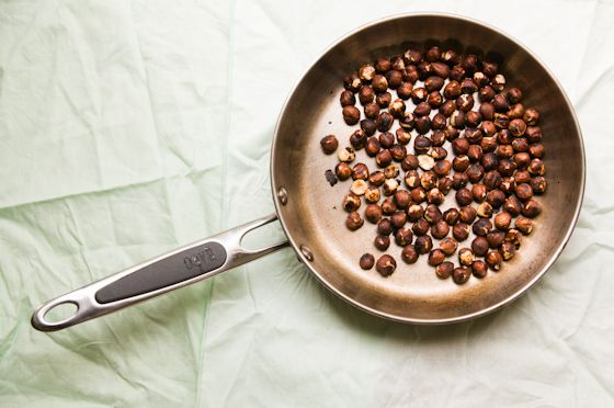 Toasted hazelnuts - recipe for chocolate hazelnut butter: Recipe
