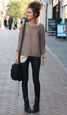 love the casual look. sweater, white tee and boots! perfect for the weekend.: Casual Outfit, Black Skinny, Street Style, Black Boots, Messy Buns, Fall Outfit, Casual Looks, Black Jeans, Combat Boots