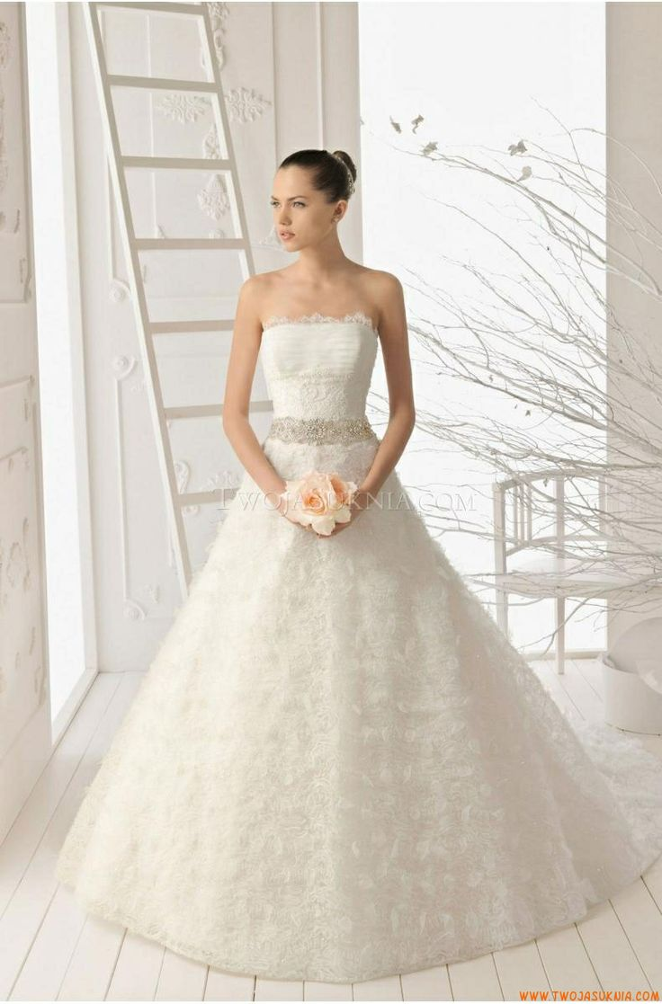 54 best wedding dresses london images on pinterest wedding tulle and lace strapless a line style with petal detailing skirt 2013 wedding dress ombrellifo Gallery