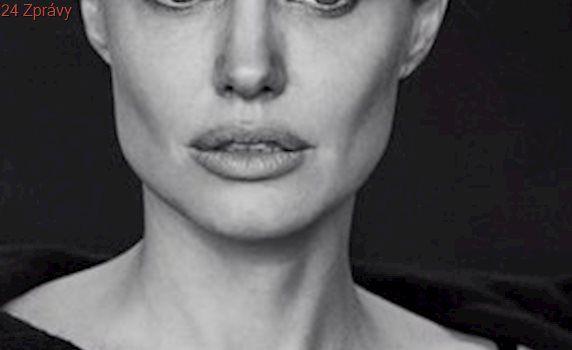 Jolie promluvila o jejím nejhorším roce: Rozvod s Pittem, menopauza, šediny a obrna!