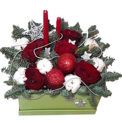5 роз, 7 хлопка, лапник, новогодний декор в коробке размером 20*20 см