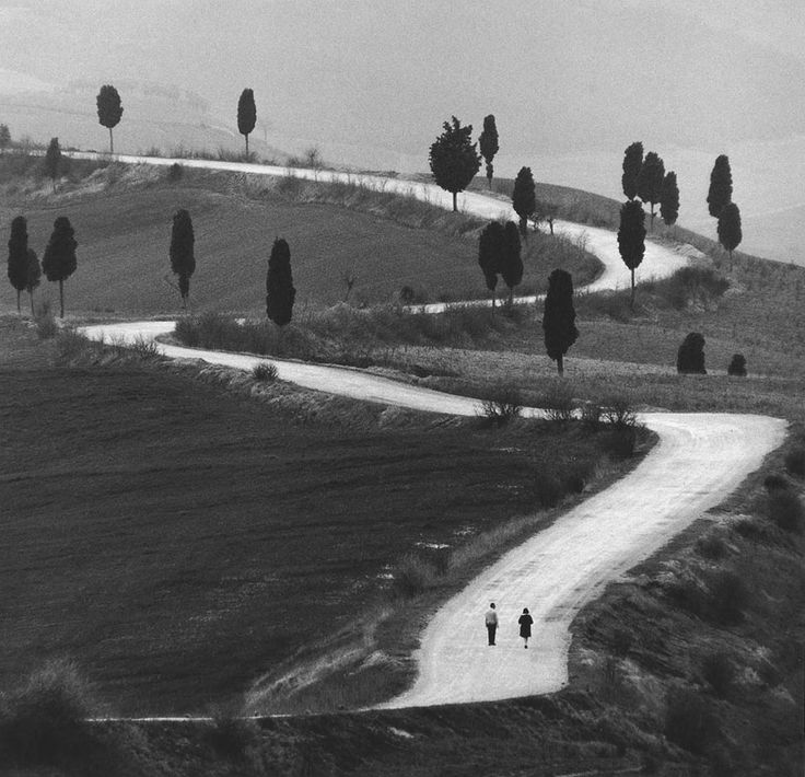 Raw black and white photos taken by Italian photographer Gianni Berengo Gardin