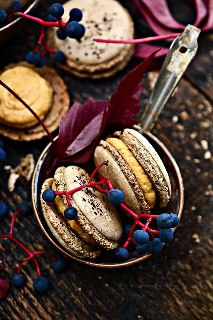 Autumn Pumpkin coffee macaroons with spicy Almette