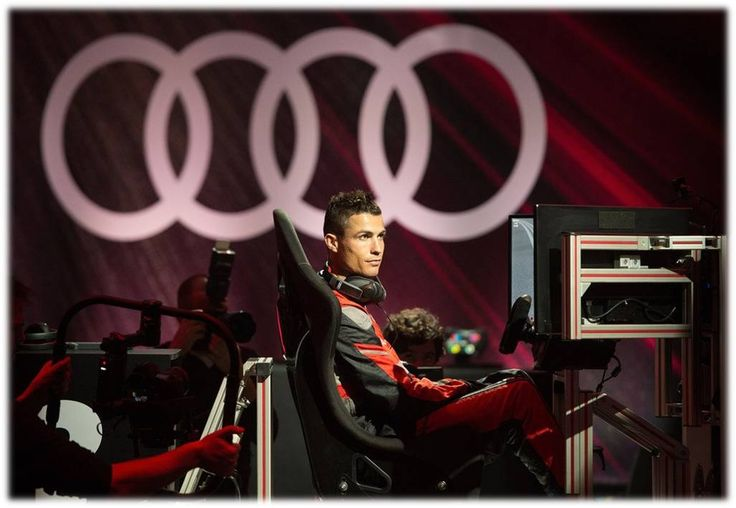 RONALDOO!! Audi (Spain) organised a competition between players with formula E simulators....#RM Players pitted their driving skills against each other in a simulated race to see who was the king of the race..