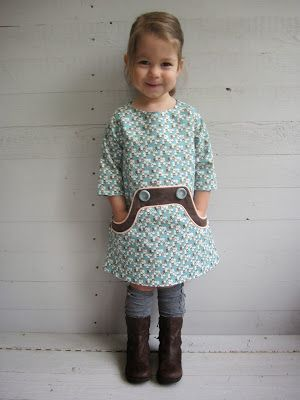 Rev. Parties & pateekes Blog: ** THE LOUISA-DRESS test dress **   -- LOVE the Kangaroo Pocket on the Tunic/Dress!!..  So Cute!~   (Blog is not American, Google auto-translated language before I saw original... She has a few Super Cute outfits Posted & Most are made w/ No Pattern... CHECK BLOG OUT!!..)