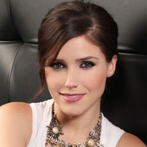 Sophia Bush (American, Television Actress) was born on 08-07-1982.  Get more info like birth place, age, birth sign, biography, family, relation & latest news etc.