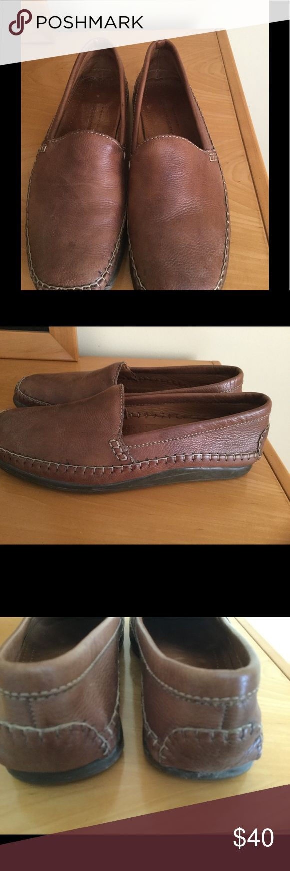 Johnston & Murphy brown leather driving shoes Lots of life left on them , no major problems handcraft by Johnston & Murphy brown leather slip on boat shoes ❌Price firm unless bundled . Johnston & Murphy Shoes Flats & Loafers