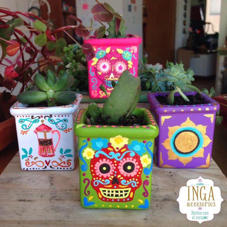 Materas Pintadas a mano personalizadas · pedidos: ingaaccesorios@gmail.com llevan escritas palabras amorosas y con la intención de la prosperidad para que las plantas sembradas, crezcan bellas y con todo el Amor! Hechas con todo el corazón. #artstyle #shoppingonline #artist #materas #macetas #love #potterybarn #art #handmade #plants #plantas #bespoke #design #costume #claypot #artisanal #ceramicas #personalized #artcrafty #artesania #homedecor #vivero #personalizado #artfolk #catrinas