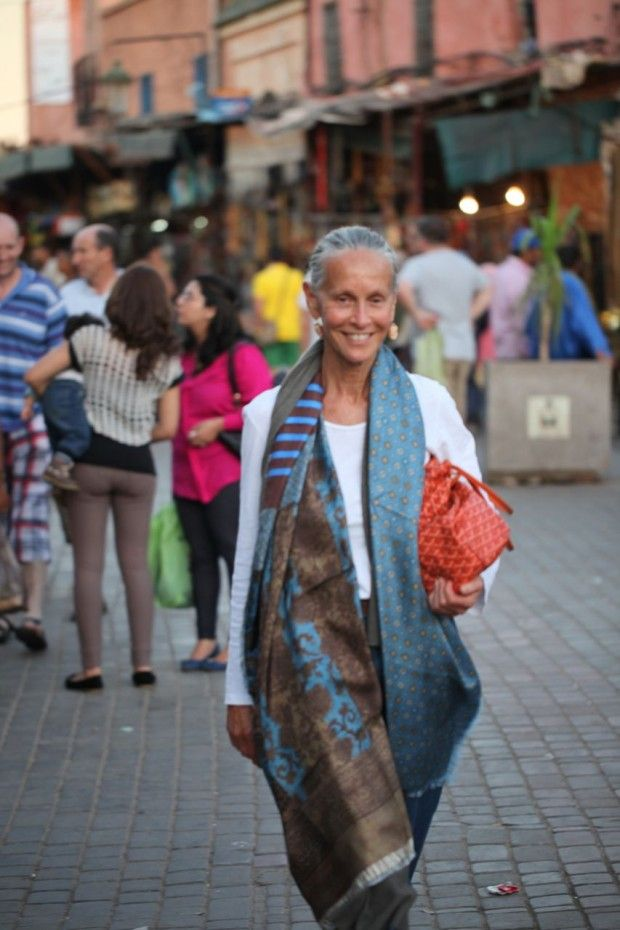 Another day in Marrakech | Linda V Wrightj Love the glam wrap with the ordinary outfit. Idea for my scarf from China: