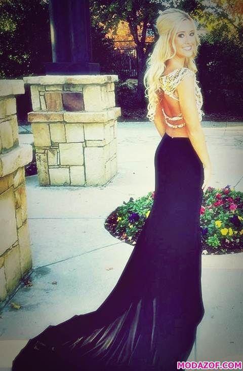 Siyah Uzun Kuyrukluı Sırtı Açık Elbise