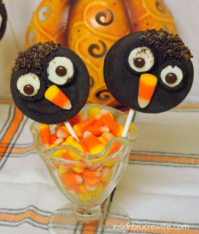 Owl Moon Pies - a fun easy treat using moon pies, Oreos, candy corn ...