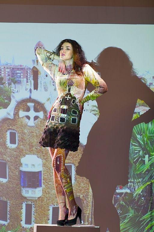 """Купить Платье """"Пряничный домик Гауди"""" - бежевый, рисунок, Анна Лесникова, дизайнерская одежда"""