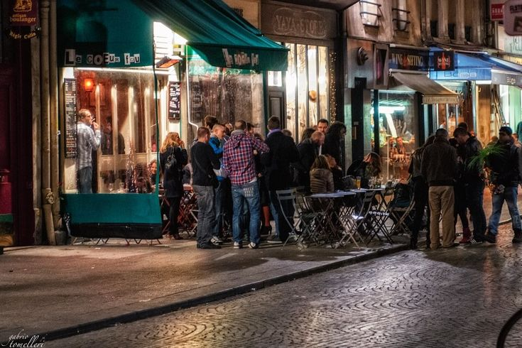 Dove mangiare a Parigi? Una guida sui luoghi dove mangiare a colazione, pranzo e cena nella capitale francese!