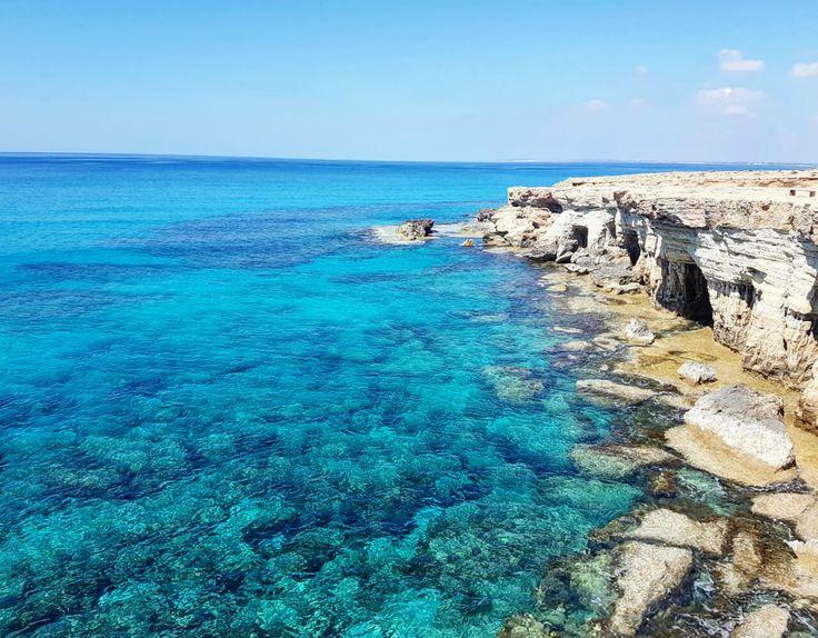Agia Napa ist für mich ab sofort der Ort der paradiesischen Meeresbuchten auf Aphrodites Insel Zypern. Finde hier 8 traumhafte Strände und Buchten.