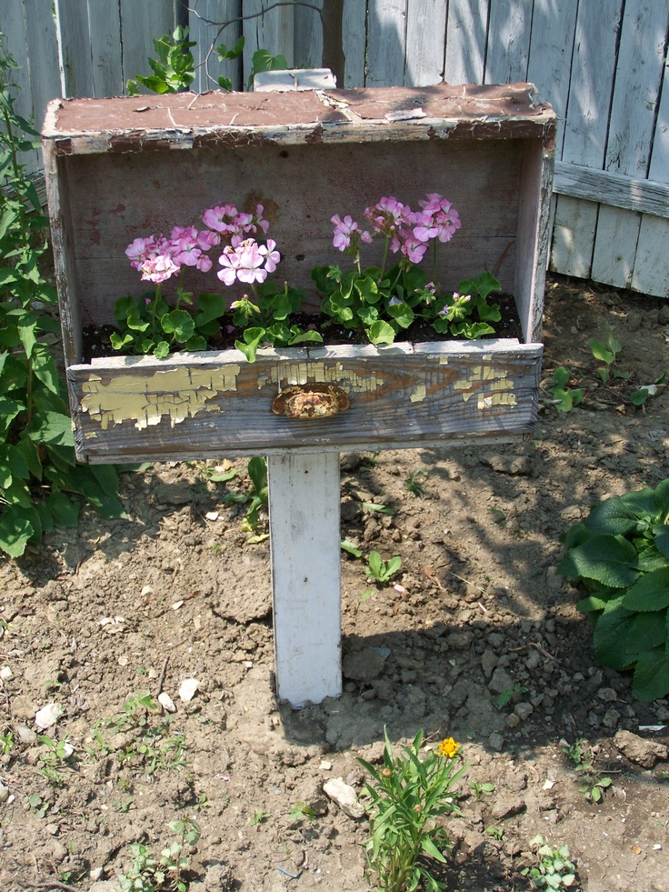Recycled Drawer Planter Our Yard Creative Spaces Using
