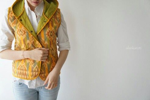 Quilted Vest with Hood in Tenun Bali - Indonesia