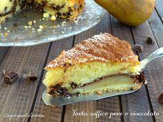 Latorta soffice pere e cioccolato è una torta golosa e cioccolatosa!! Io adoro le torte con la frutta e questa vi farà fare un figurone anche dal punto di