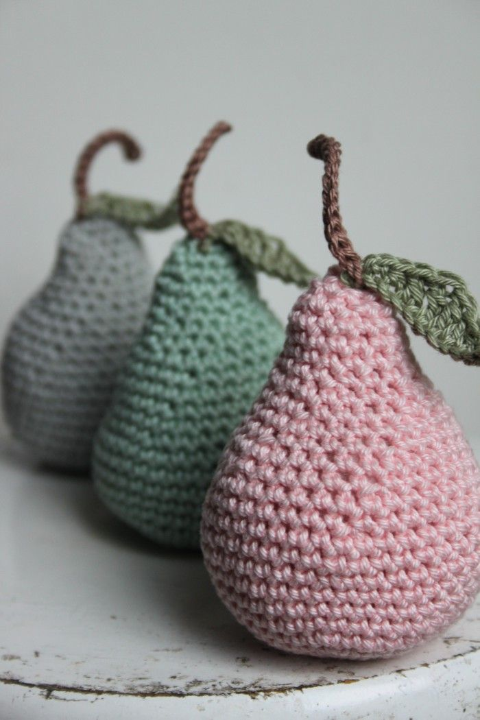 Mooie gehaakte vintage peertjes. Crochet - Peer - Vintage - Haken - Haakpatroon - Inhaken