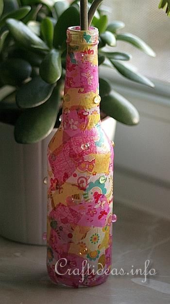 Recycled glass bottle flower vase craft ideas for Glass bottle project ideas